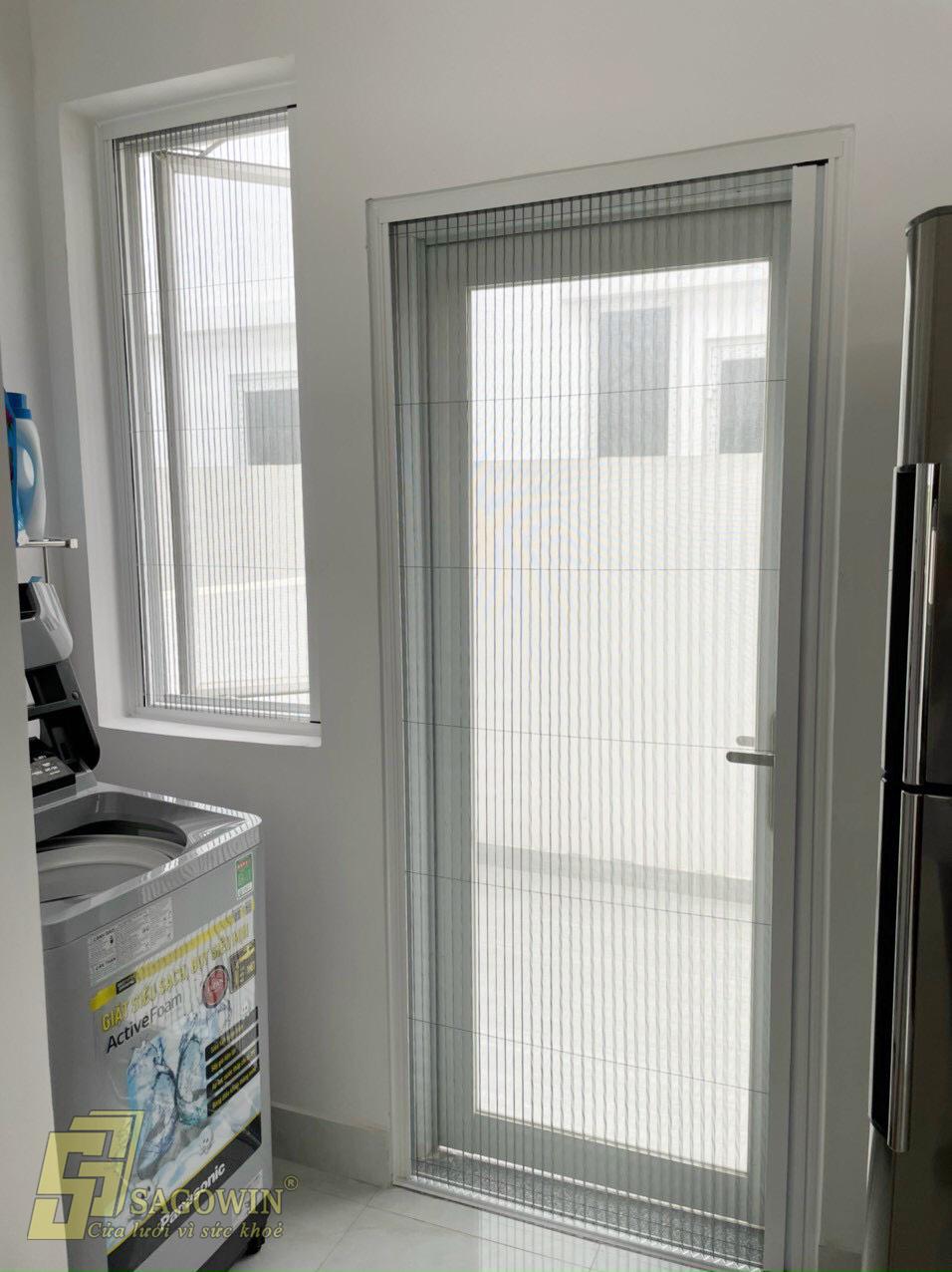 cửa đi xếp chống muỗi phòng bếp