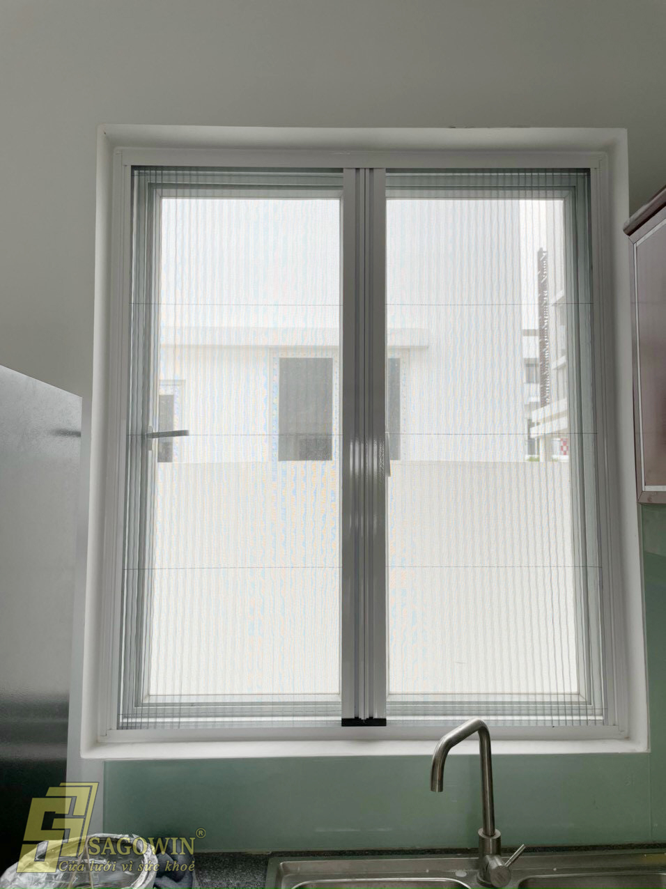 cửa sổ chống muổi phòng bếp