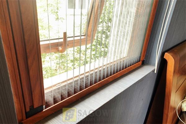 Cửa lưới chống muỗi xếp có ray hệ 32 dùng cho cửa sổ